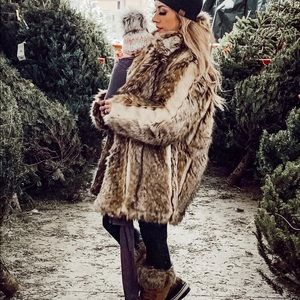 H&M short faux fur coat- SOLD OUT ON SITE